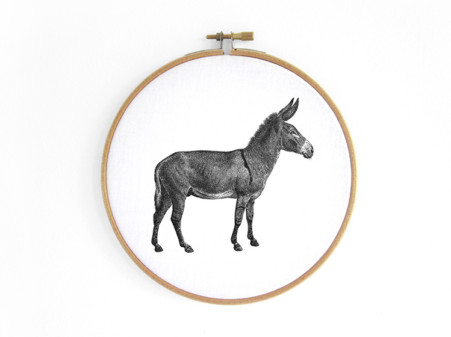 esel-donkey--im-stickrahmen-embroidery-hoop-bild-renna-deluxe