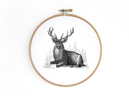 hirsch-deer--im-stickrahmen-embroidery-hoop-bild-renna-deluxe