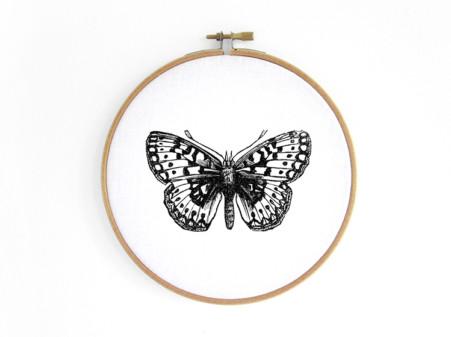 schmetterling-butterfly im stickrahmen embroidery hoop bild renna deluxe