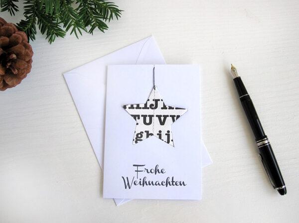 Weihnachtskarte mit Weihnachtsanhänger